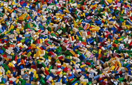 Lego intensifie sa recherche de briques durables