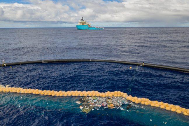 Ocean Cleanup récupère pour la première fois avec succès du plastique de l'océan Pacifique
