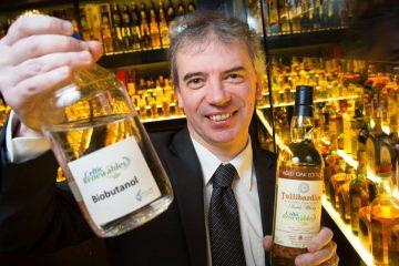 Une entreprise écossaise transforme les déchets de whisky en carburant automobile