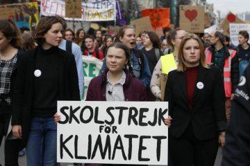 Changement climatique ou coronavirus ? « Choisissez votre ennemi », proclament des manifestants