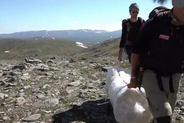 Un drap en tissu aide à protéger un glacier suédois du réchauffement climatique