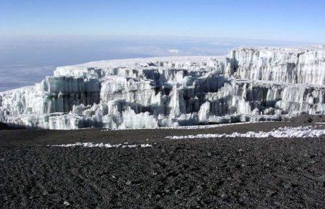 Face à la fonte inévitable des glaciers africains, la vie de millions de personnes menacée