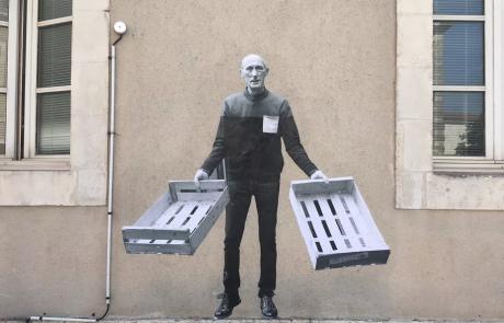 La Rochelle : les acteurs locaux de la transition écologique s'affichent sur les murs