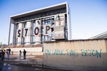 Extinction Rebellion cible la cimenterie Lafarge à Paris