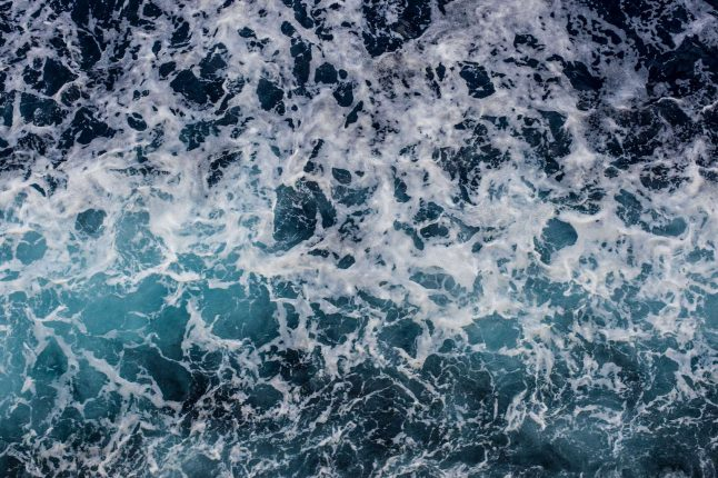 Des scientifiques récupèrent le lithium contenu dans l'eau de mer